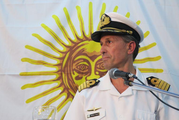 Het was kapitein Enrique Balbi, woordvoerder van de Argentijnse marinekrachten, die het nieuws meedeelde over de waargenomen explosie. Beeld EPA