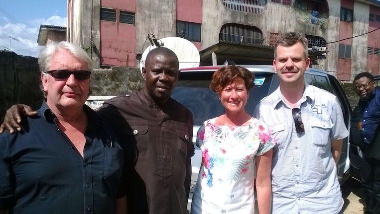De ontvoerde Nederlanders, met helemaal links de Amsterdammer Jan Dries Groenendijk. Sunny Ofehe, tweede van links, is inmiddels vrijgelaten. Beeld ANP