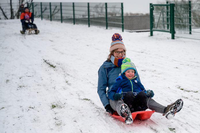 Een koudegolf gaat vaak gepaard met sneeuwpret.