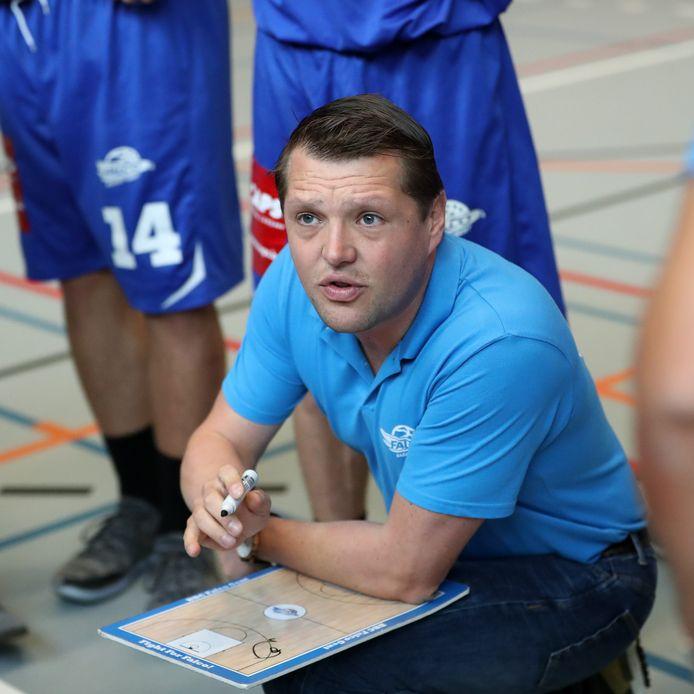 Coach Dimitri Ongenaet start aan zijn achtste seizoen bij Falco Gent.