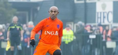 Veiling voor Molukken: Hoeveel is het laatste Feyenoord-shirt van Simon Tahamata waard?