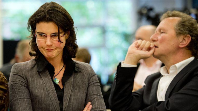 Heleen Weening (L) en Kamerlid Bram van Ojik op de partijraad van GroenLinks waar na het vertrek van Jolande Sap, gesproken werd over de interne crisis in de partij. Beeld ANP