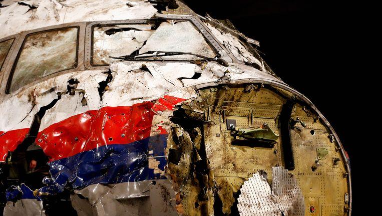 De gereconstrueerde cockpit van het wrak van de MH17. Beeld Getty Images