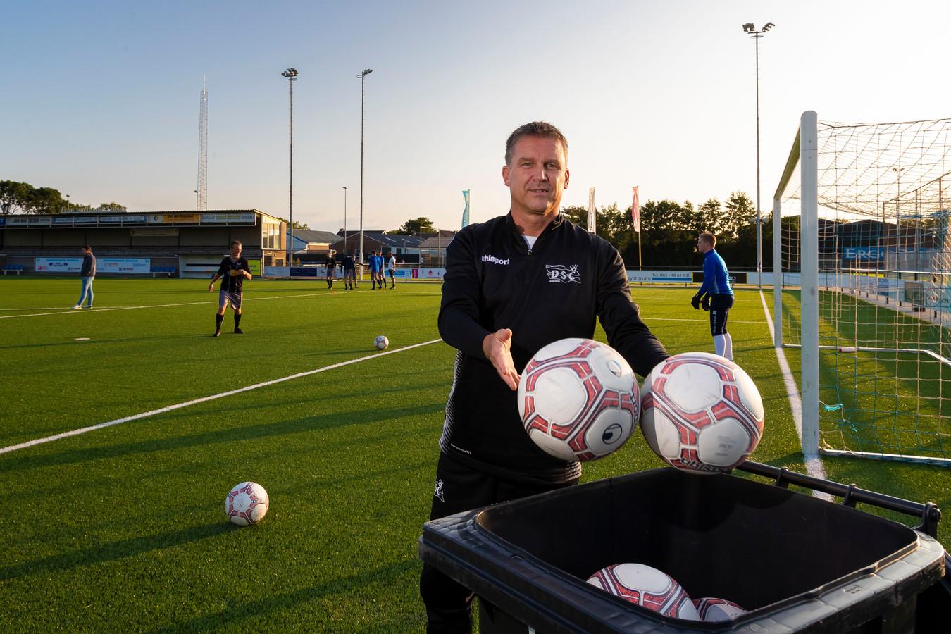 Trainer Roland Timmermans van DSC.