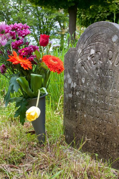 Diefstal op begraafplaats in Borne