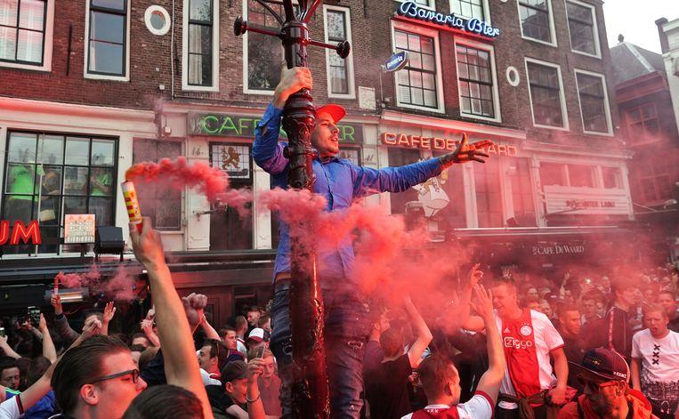 Ajax-fans vieren feest op het Leidseplein.  Beeld ANP