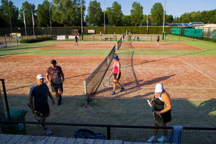 Continu volle banen bij Tennisclub Maaspoort.