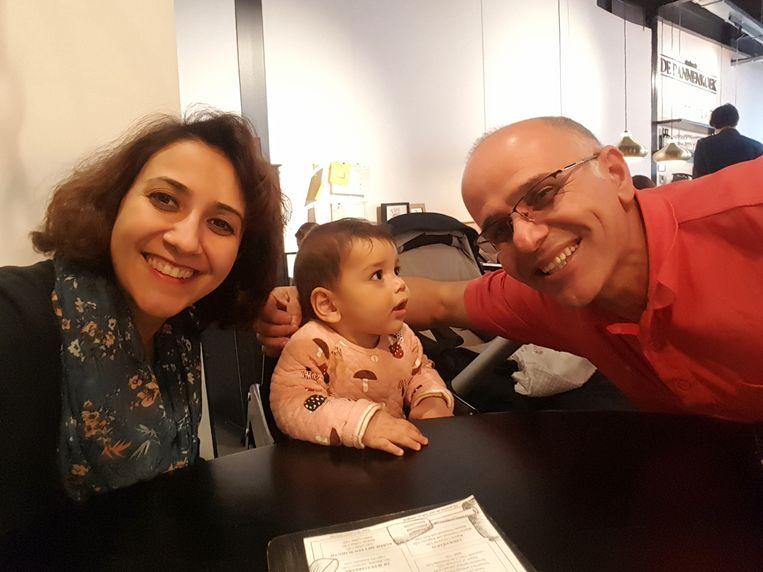 Mehran met zijn vrouw Nahid en dochter Nina. Beeld Privéarchief