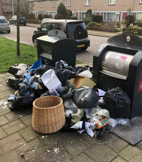 Noodkreet uit Presikhaaf: 'Gooi die afvalcontainers open!'