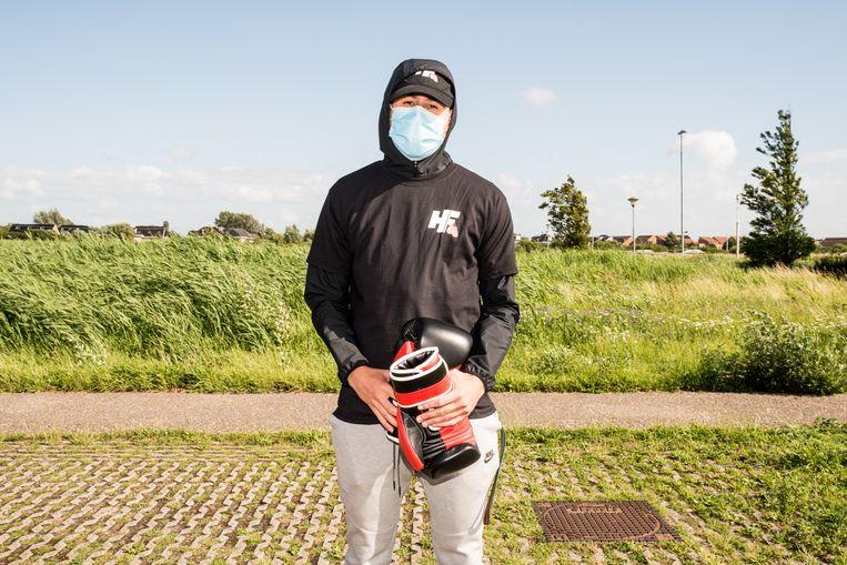 Illegale boksgevechten zijn een hit op Instagram. Beeld Jan Mulders