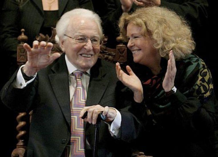 Wolfgang Wagner en zijn dochter Eva Wagner-Pasquier tijdens Wagners afscheid als directeur van het Bayreuther Festspiele. ANP Beeld