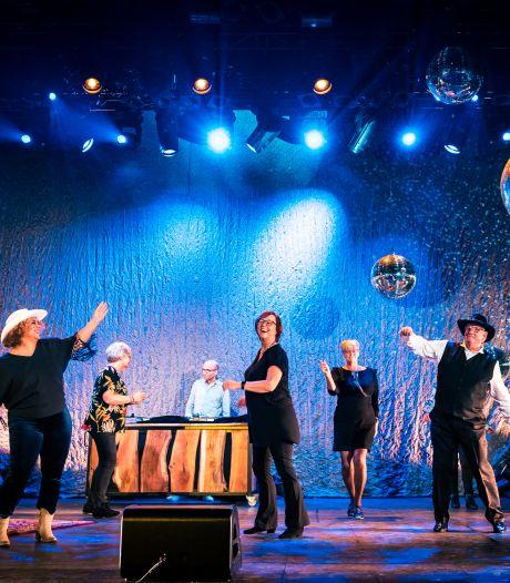 Hedon brengt dansfeestje voor Zwolse senioren in de huiskamer