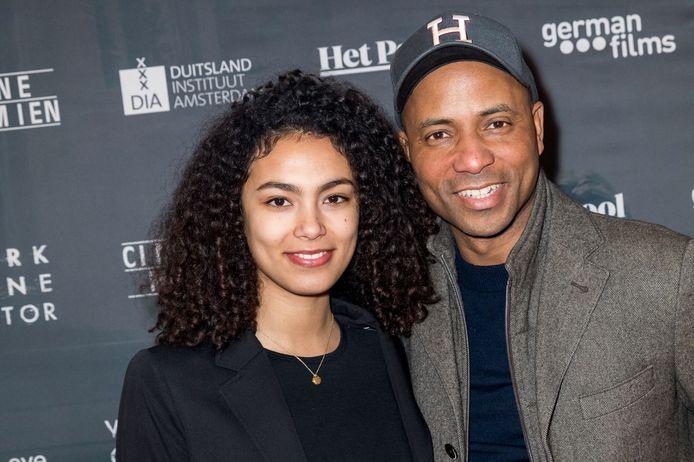 Julia en haar vader Humberto Tan