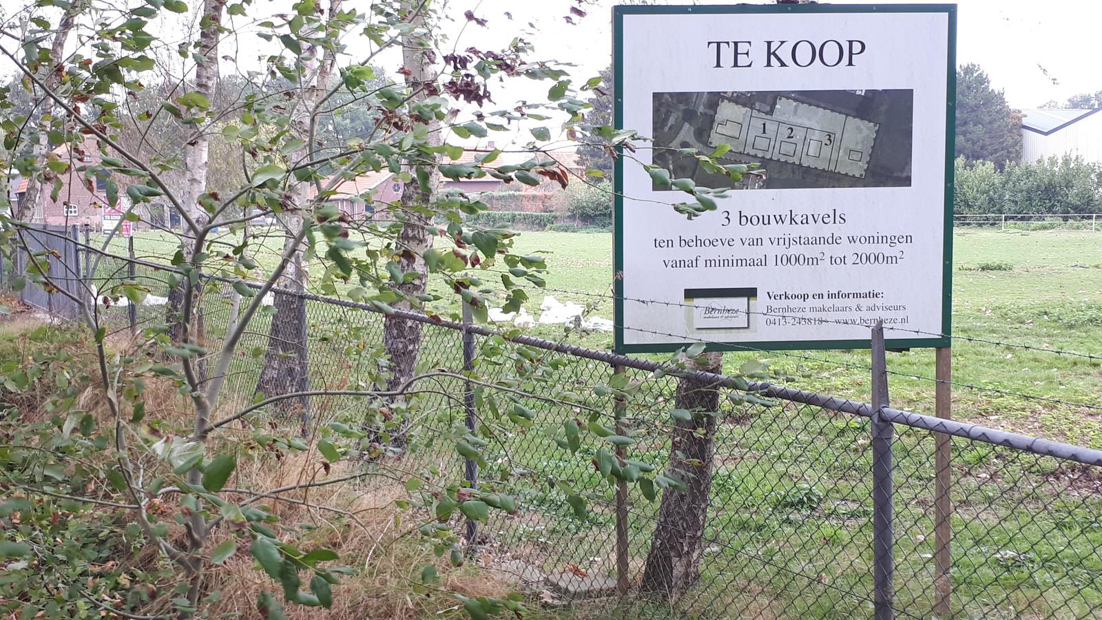 Bouwkavels te koop aangeboden aan de Loosbroeksestraat in Heesch.