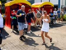 Geslaagde vmbo-leerlingen CSG De Lage Waard in Papendrecht verrast met circus