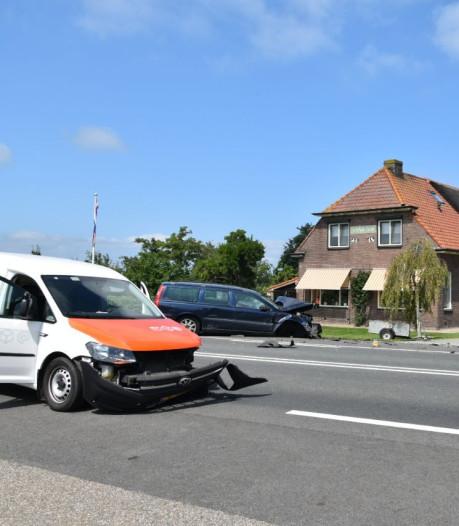 Ravage en gewonde door ongeluk met postbezorger in Wanneperveen