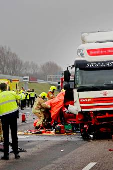 Paar seconden voor dodelijke crash krijgt chauffeur foto via WhatsApp: 'Had telefoon net weggelegd'
