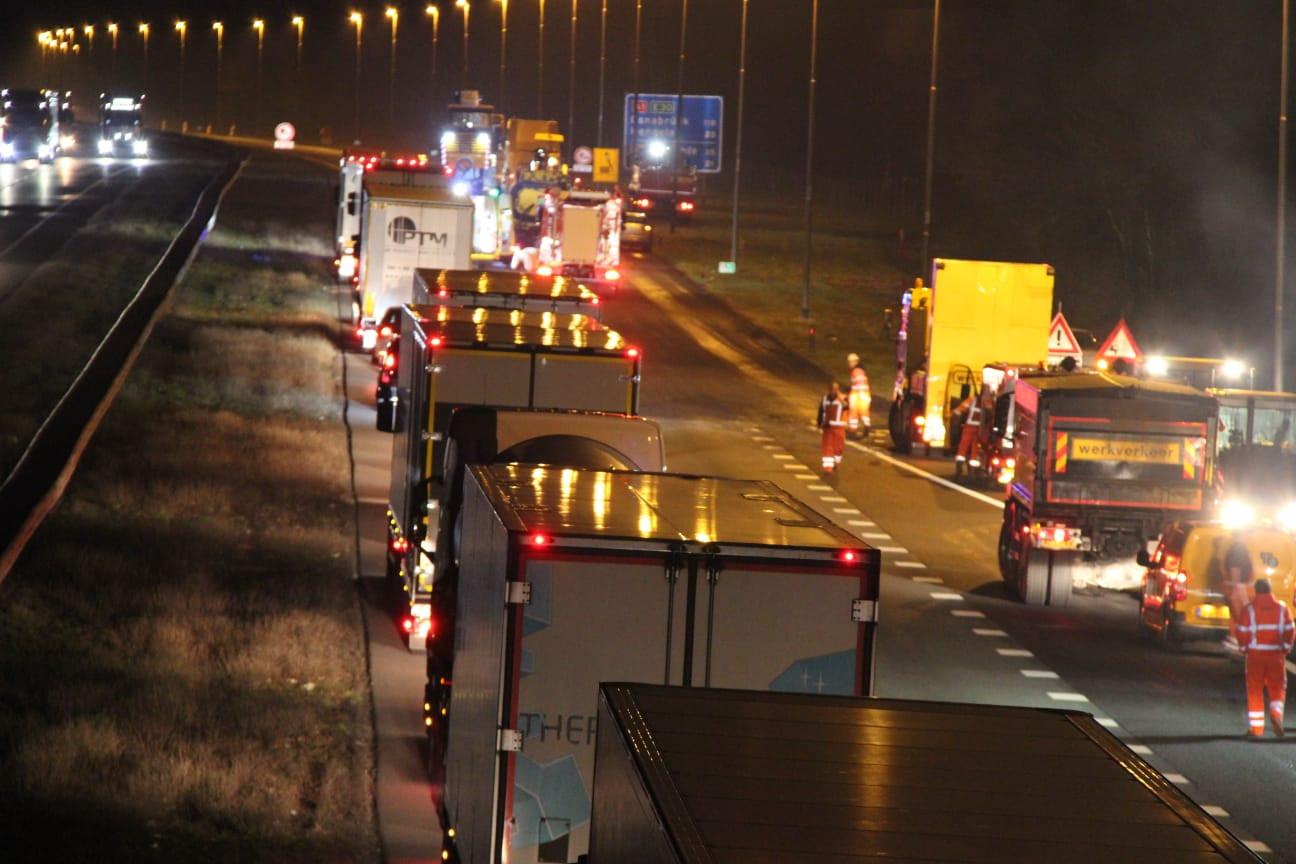 De file op de A1 bij Holten na het ernstige ongeluk in 2019.