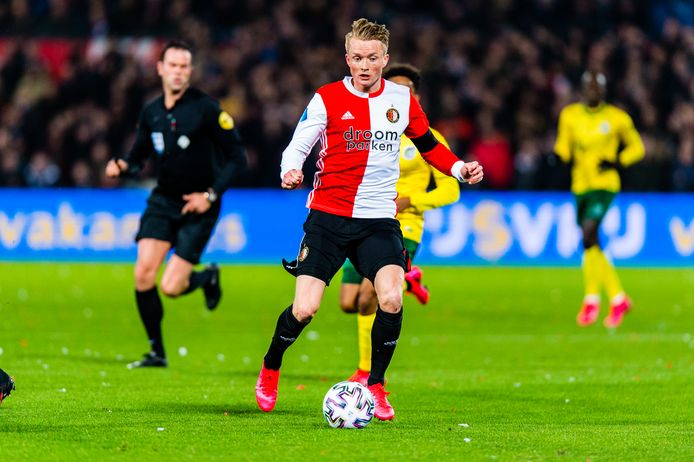 Sam Larsson aan de bal tegen Fortuna Sittard.