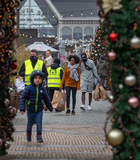 Dj's en hapjes voor in de rij: outlet in Lelystad trekt veel Black Friday-bezoekers en is daar op voorbereid
