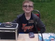 8-jarige verkoopt Pokémonkaartencollectie om zijn puppy te redden