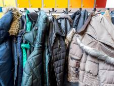 Bossche Kleding- en Speelgoedbank zamelt winterjassen in