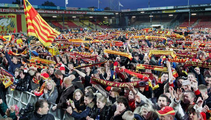 De Adelaarshorst stroomde in 2013 vol na de promotie  van GA Eagles in Volendam. De kans is groot dat de stadions dit seizoen leeg blijven als de play-offs gespeeld gaan worden.