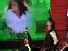 Usher brengt dansend ode aan nieuw Jackson-nummer
