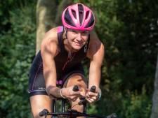 Triatleet Sandra moest door een diep dal om van haar depressie af te komen: 'Ik zakte op school in elkaar'