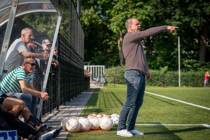 John Willems blijft SC EDS de weg wijzen., samen met de ervaren trainer Willi van Bindsbergen.