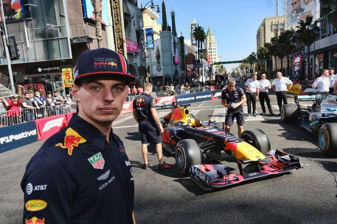 Max Verstappen op Hollywood Boulevard, Los Angeles.