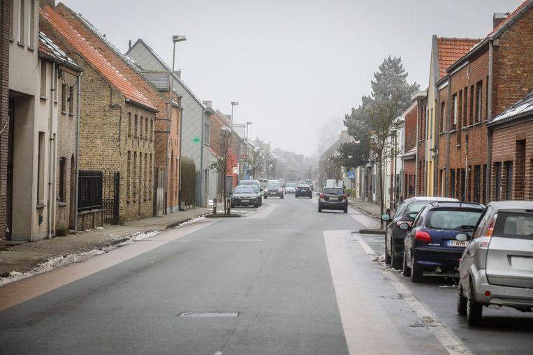 De waterleidingen worden vernieuwd in de Aartrijkestraat.