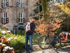Ron verloor zijn kind en broertje, zijn pup maakt hem weer gelukkig: 'Goed voor het koppie'