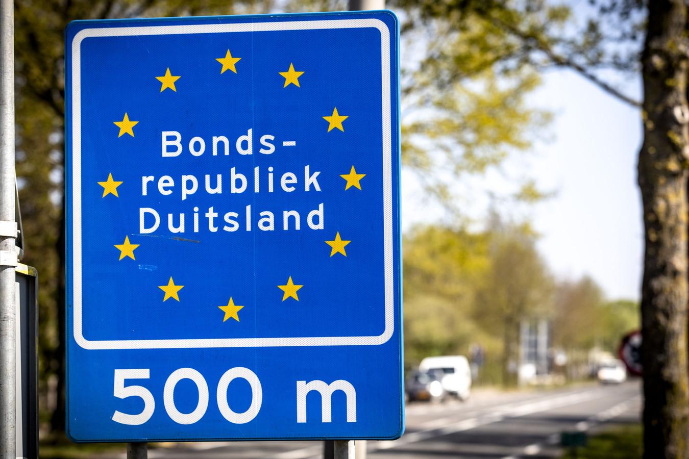 Nederlanders hebben een negatieve coronatest nodig om de grens over te kunnen.