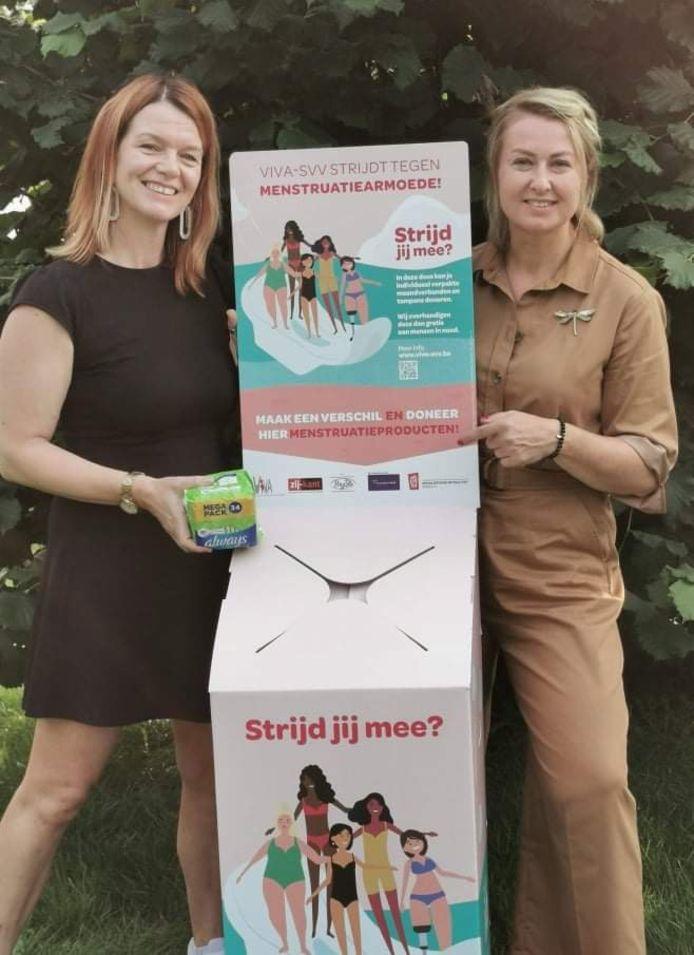 De eerste Diestse inzamelbox voor menstruatieproducten is een feit. Raadsleden Dirix (Groen) en Jankowski (Vooruit).