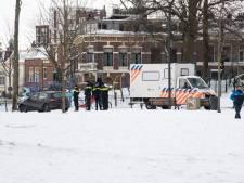 TERUGLEZEN | Politie druk met 'wintersportparken, ijsmeester zakt met machine en al door het ijs