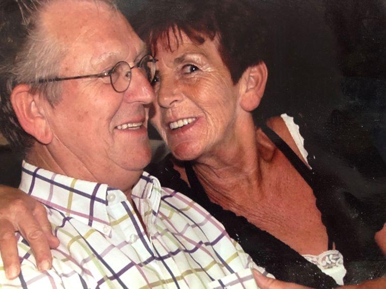 Elzo Nieuwold met zijn vrouw Betsie. Beeld