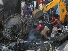 Verkeersleiding in de fout en piloten afgeleid door corona bij vliegtuigcrash Pakistan