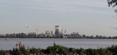 Moerdijkse noodkreet richting Den Haag: 'Snel begeleiding scheepsverkeer Hollandsch Diep nodig'