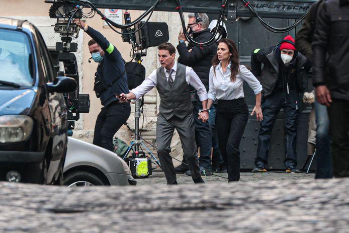 """Tom Cruise et Hayley Atwell sur le tournage de """"Mission Impossible 7"""" à Rome, en Italie, en novembre dernier."""