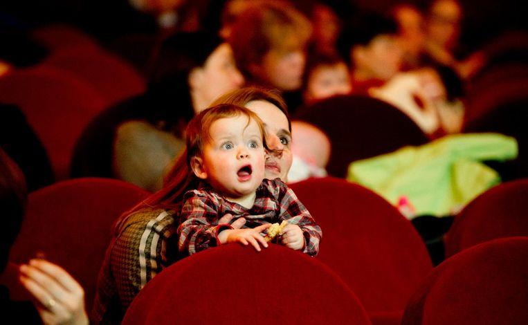 Het geluid staat zachter voor de baby's tijdens Hyena Scream Beeld anp