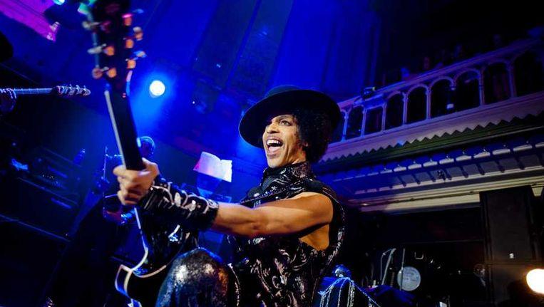 Prince tijdens zijn optreden in Paradiso. Beeld PARADISO/ANDREAS TERLAAK