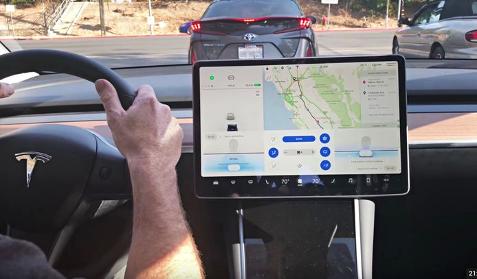 Touchscreen van de Tesla Model 3.
