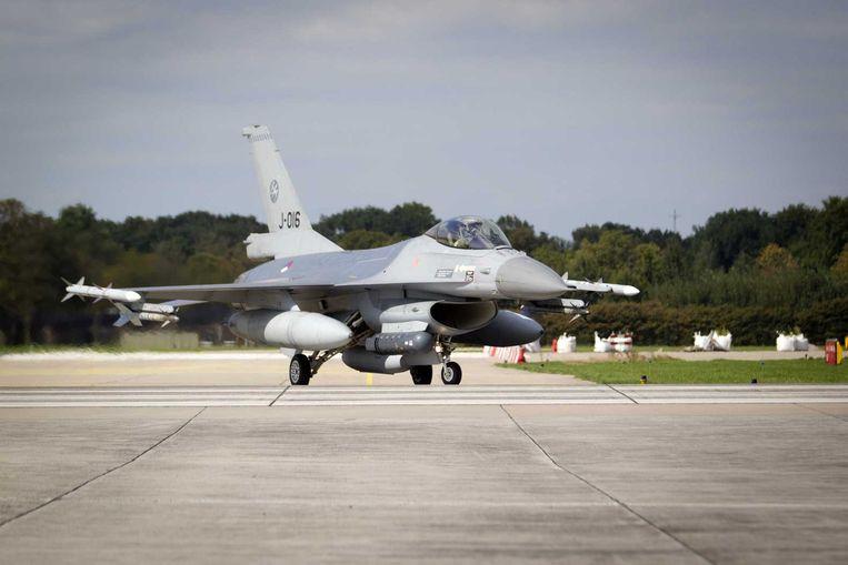 Een F16 op de luchtmachtbasis in Volkel. Beeld anp
