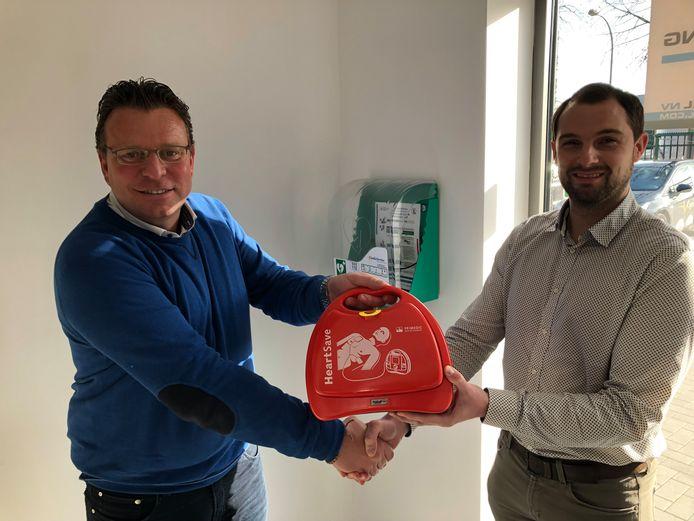 Chris Bergmans van de firma Beton Trowel NV en Laurent Decuypere van CardioService (rechts).