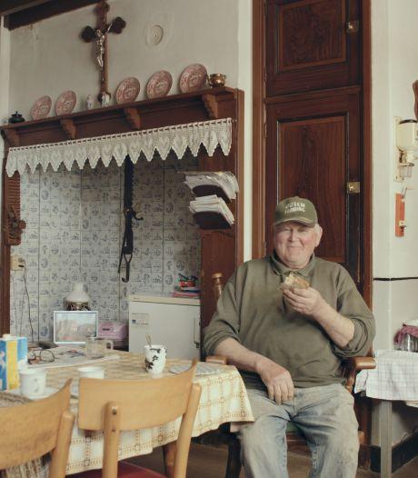 Unieke mantelzorg in Oirschot levert hartverwarmende film op: 'Jij in de schuur, zij in de boerderij'