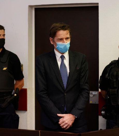 Une figure française des milieux complotistes en garde à vue pour projets de coups d'État et d'attentats