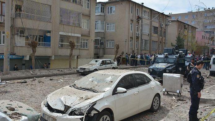 Turkse autoriteiten gaan ervan uit dat de Koerdische partij PKK achter de aanslag zit.