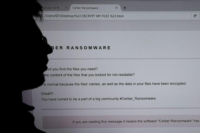 Door in de computersystemen te infiltreren kunnen hackers de activiteiten van een bedrijf tot stilstand brengen of waardevolle gevoelige informatie zoals klantengegevens of bedrijfsgeheimen stelen.